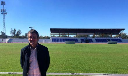 La concejalía de Deportes ultima las actuaciones para recuperar el césped del Estadio Municipal