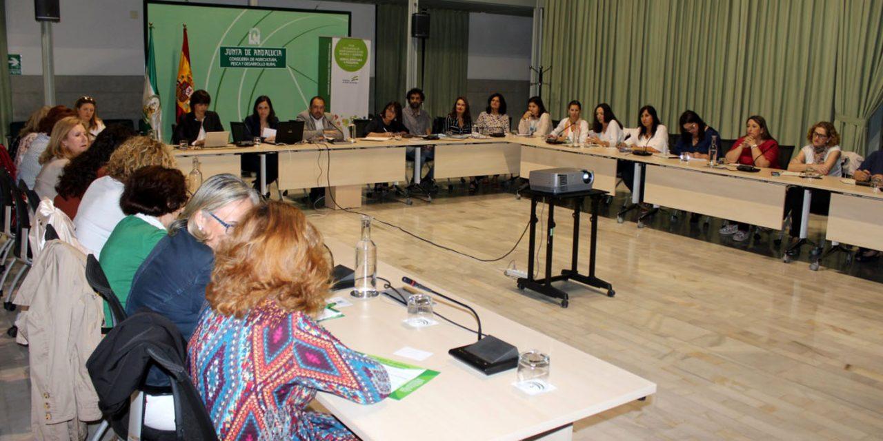La Junta da voz a las mujeres del olivar y los cítricos como interlocutoras necesarias para la igualdad y la mejora del sector