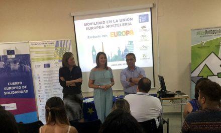 """La oficina de información """"Europa Direct"""" en Andújar divulga con unas jornadas las opciones que ofrece la UE"""