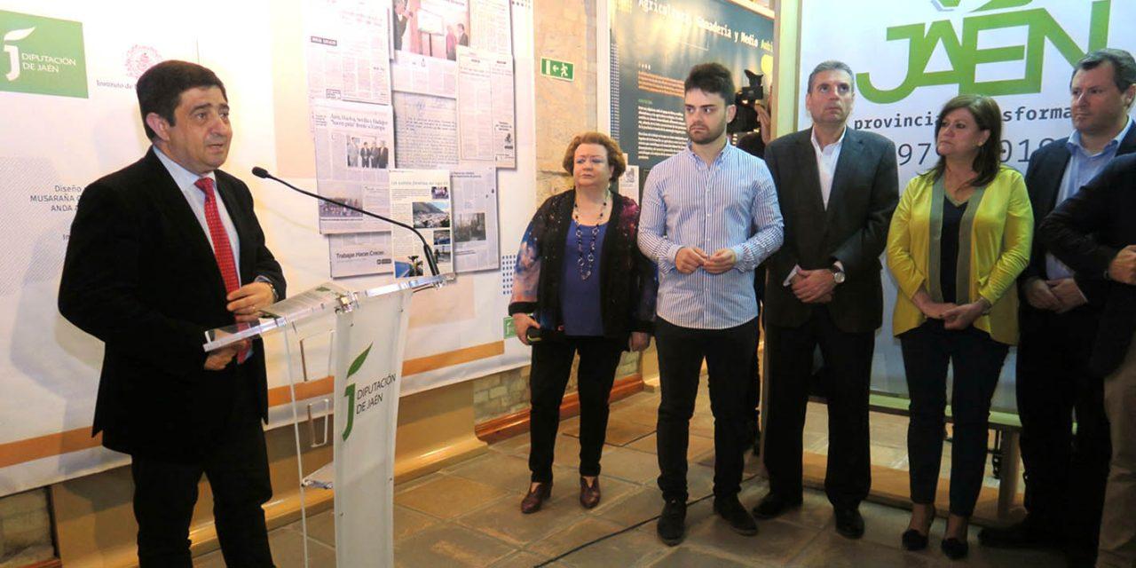 """La exposición """"Jaén, provincia transformada: 1979-2019"""", repasa los 40 años de los ayuntamientos jiennenses democráticos"""
