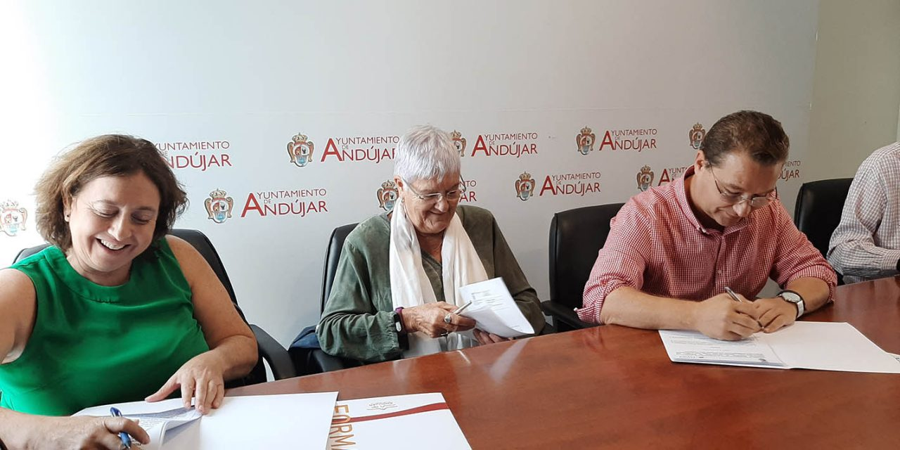 FEJIDIF y APROMPSI firman un convenio para la elaboración de prácticas en el consistorio