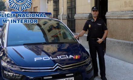 SUCESOS | Un Policía Nacional libre de servicio salva la vida a un bebé de nueve meses en Andújar