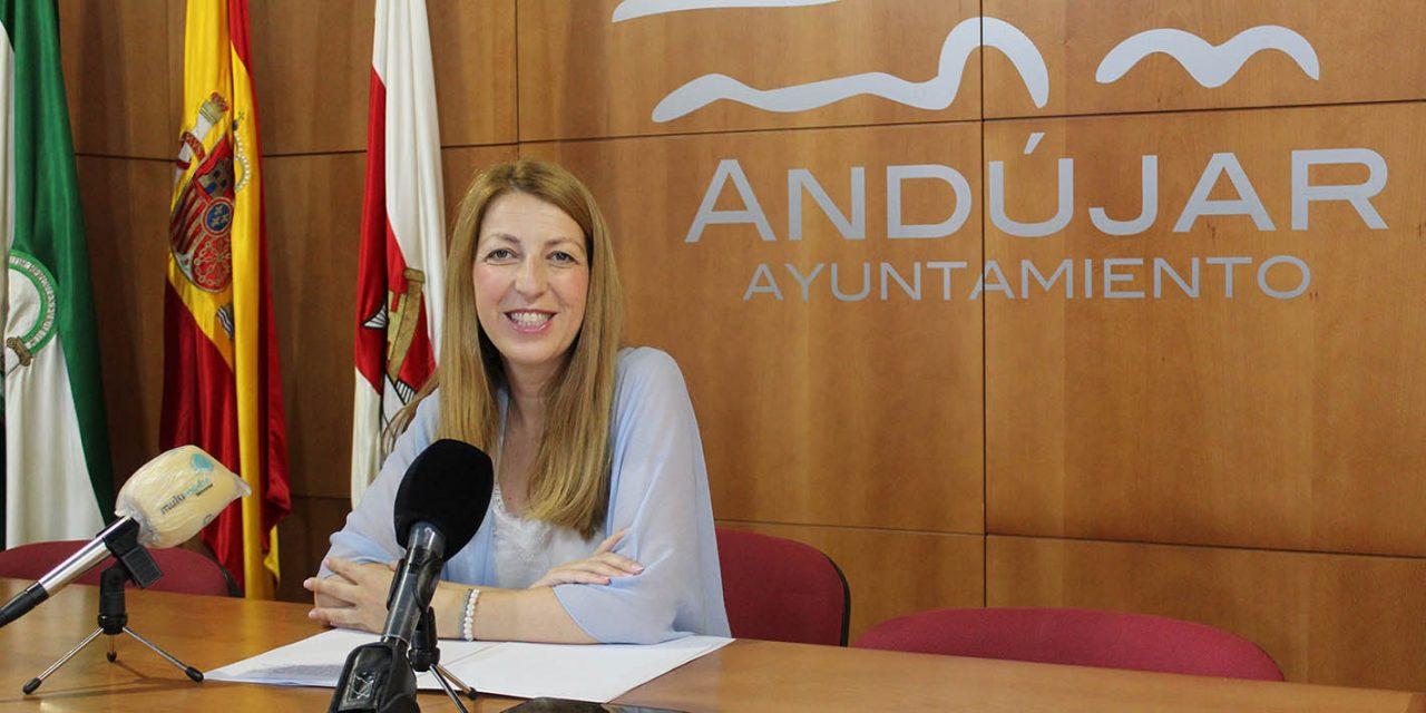 El área de Promoción y Formación elabora una amplia oferta de cursos y talleres en colaboración con Andalucía Compromiso Digital durante la época estival