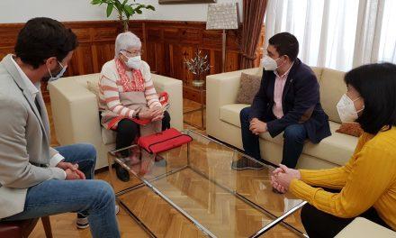 El presidente de la Diputación recibe al nuevo gerente de la asociación Aprompsi